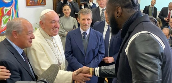 Папата го прими Вајлдер и го именува за амбасадор на мирот