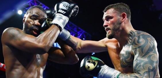 По Хопкинс Џо Смит порази уште еден фаворизиран филаделфиски боксер (ВИДЕО)