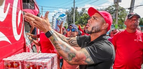 Мигел Кото стигна да и помогне на сонародниците со хуманитарна помош